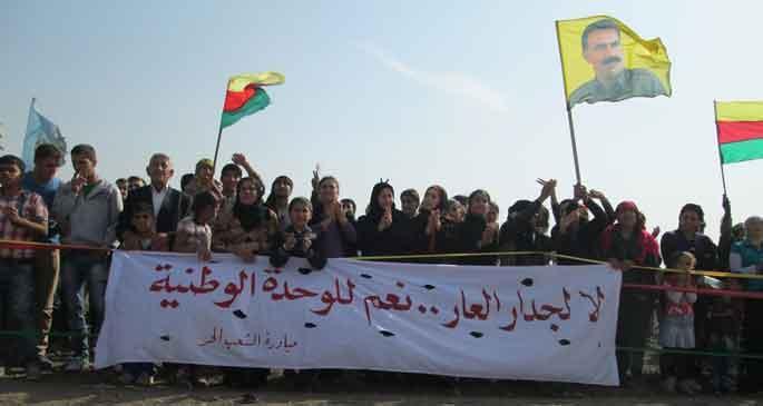 Utanç duvarını protesto eden Rojavalılara ateş açıldı