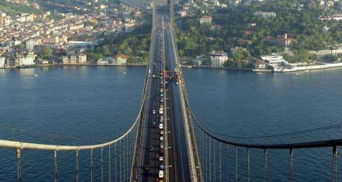 Vatandaş köprünün kapatılmasına canlı yayında tepki gösterdi
