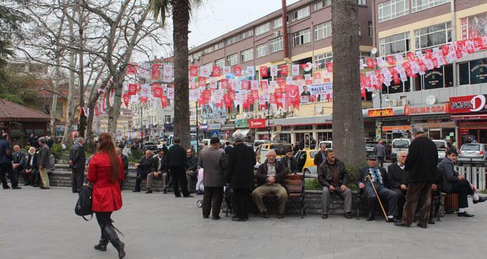 Rize\'de yarış AKP ve Bekaroğlu arasında