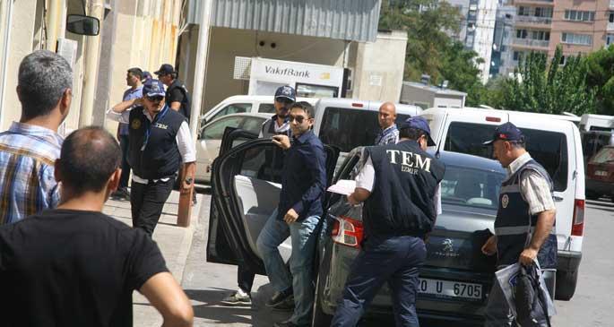 Yasadışı dinleme soruşturmasında 9 polis tahliye edildi