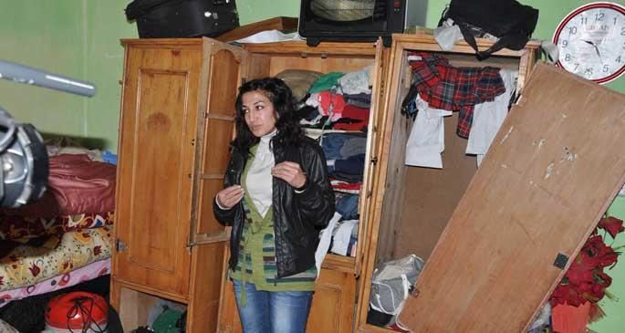 Yüksekova'da ev baskınları