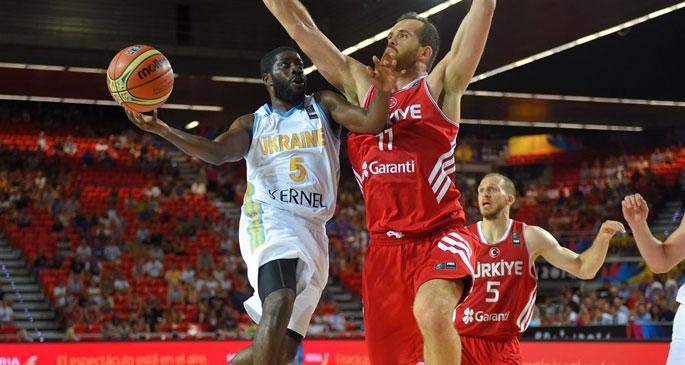 Dünya Kupası'nda Türkiye Ukrayna'ya 64-58 yenildi