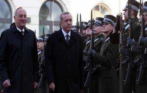 Erdoğan: Kobanê'ye yardım Türkiye'ye rağmen yapılmıştır