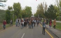 Hacettepe'li öğrenciler yol kapattı