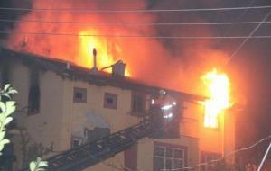Karaman'da yangın: Anne ve 3 çocuğu hayatını kaybetti