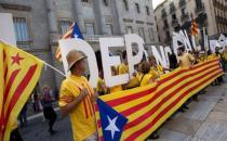 Katalanlar, AYM'nin referandum kararını protesto etti