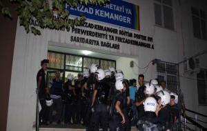 Kürtçe okul 3. kez mühürlendi, halk Emniyet'e yürüdü