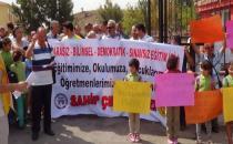 Mahallelilerden eğitim protestosu