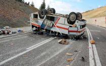 Tarım işçilerini taşıyan servis devrildi: 31 kişi yaralandı