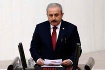 Mustafa Şentop, sansür yasasını 'dijital faşizmin önüne geçmek' diyerek savundu