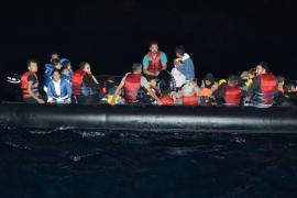 Libya mülteci teknesi battı, en az 40 mülteci kayıp