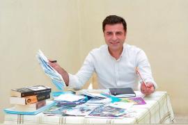 Selahattin Demirtaş: Ahmet Davutoğlu samimi bir özür dilemeden yol alamaz