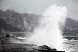 """Meteorolojiden kar, yağmur ve fırtına uyarısı: İstanbul için """"turuncu"""" uyarı verildi"""