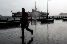 İstanbul'da fırtına ve yağmur çarşambaya kadar sürecek