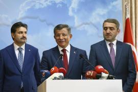 Ahmet Davutoğlu: İstifa ediyoruz ancak Ak Parti tabanına veda etmiyoruz