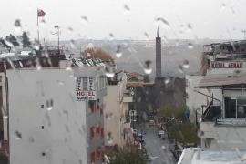AKOM, İstanbul'da yarından itibaren hava sıcaklıklarının düşeceğini açıkladı