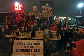 Sıfır Gelecek aktivistlerinden Taksim'de eylem: COP'a güvenme iklim için harekete geç