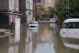 Adana'da sağanak sele neden oldu: Eğitime yine ara verildi