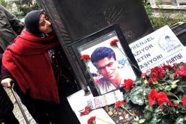 Evrensel Muhabiri Metin Göktepe katledilişinin 24. yılında mezarı başında anıldı