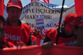Özgür Müftüoğlu: Emekçiler kendi çıkarları için savaş politikalarına karşı çıkmalı