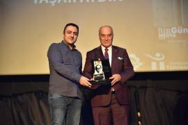 Tepebaşı Belediyesi ve ÇGD'den Evrensel'e dayanışma ödülü
