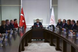 Sağlık Bakanı: 11 bin kişi tarandı, Türkiye'ye giriş yapan koronavirüslü vaka yok