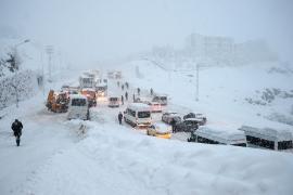 Bölgede 4 ilde kardan kapanan 1555 yerleşim birimine ulaşım sağlanamıyor