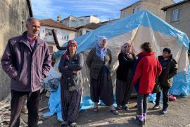 Elazığlı kadınların yükü: Eksi 4 derece soğukta yaşam kurma savaşı