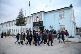 Elazığ'da depremin ardından ara verilen eğitim yeniden başladı