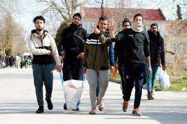 Korona günlerinde mülteciler biyolojik silah muamelesi görüyor