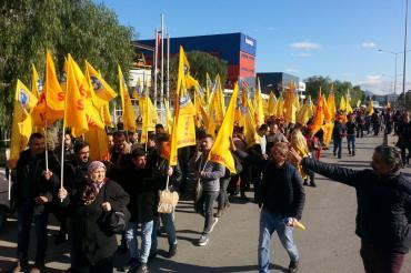 DERİTEKS üyesi işçiler sahte sigortaya karşı Çiğli'de yürüdü
