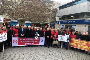 İzmir'de Emekli-Sen'den zamlara tepki