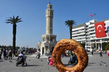 İstanbul'un ardından İzmir'de de fırıncılar simit fiyatına zam istedi