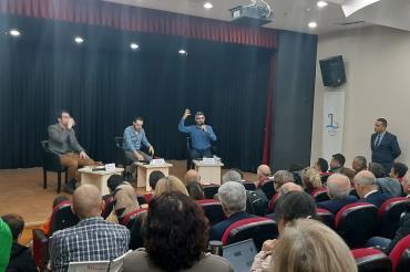Bayraklı Belediyesi Çalışan Gazeteciler Günü paneli düzenledi