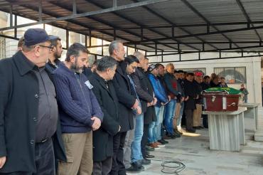 TÜPRAŞ'ta iş cinayetinde ölen Murat Erem, arkadaşları ve ailesi tarafından uğurlandı
