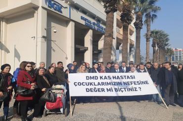 İzmir DMD aileleri: Tasarruf edilecek konu çocuklarımızın yaşam hakkı mıdır?