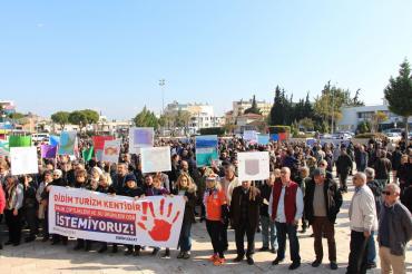 Didim halkı, balık çiftlikleri ve su ürünleri OSB'sini protesto etti