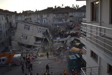 Deprem için toplanan yardımların engellenmesine tepki: Ayrıştırma kabul edilmez