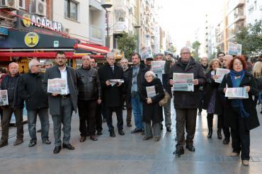 İzmir'de Evrensel'le dayanışma etkinliğinde ortak mücadele vurgusu