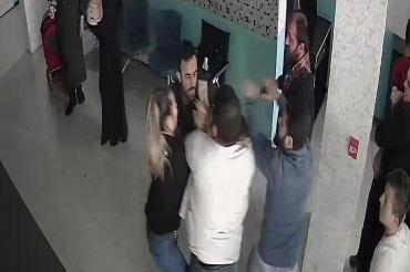 Doktoru ve öğretmeni darbeden 3 kişiye toplam 12 yıl 5 ay hapis cezası