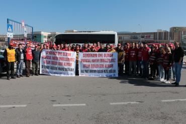 Genel-İş İzmir 2 No'lu Şube yöneticileri direnişteki işçileri ziyaret etti