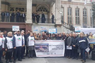 İzmir'de kitle örgütleri 'Şehir hastanelerine hayır' diyerek basın açıklaması yaptı