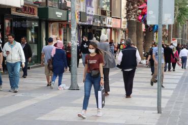 Denizli'de tüm kamusal alanlarda maske takma zorunluluğu getirildi