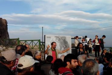 Bergama Belediyesinde çalışan arkeolog yol yapımına sürüldü