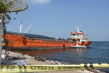İzmir'de 276 göçmeni taşırken yakalanan geminin batma tehlikesi varmış