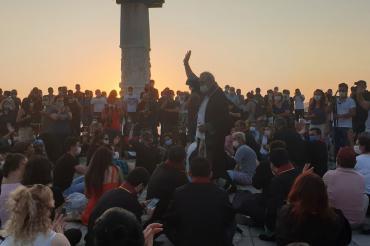"""""""Çoklu baro"""" düzenlemesine karşı İzmir Barosundan oturma eylemi"""