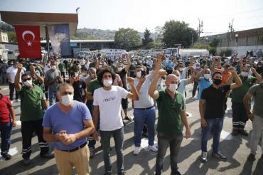 Konak ve Buca belediyelerinde TİS görüşmeleri anlaşmayla sonuçlandı, tören yapıldı