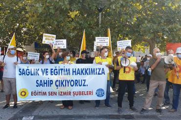 İzmir'de eğitim emekçileri ve veliler: Okullar tüm tedbirler alınarak açılsın