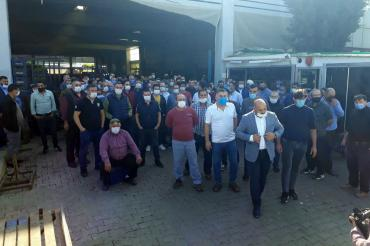 """Aliağa'da pazarcı-belediye gerilimi: """"Belediye tezgahlarımızı almaya çalışıyor"""""""