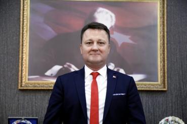 Tutuklanan Menemen Belediye Başkanı Serdar Aksoy görevden uzaklaştırıldı